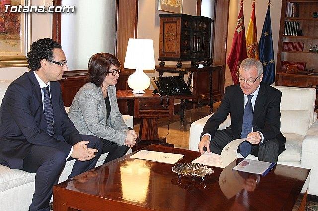 La alcaldesa pide a Valcárcel que medie con el Ministerio de Agricultura para regularizar los terrenos de secano, Foto 1