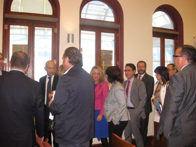 La alcaldesa y el concejal de Comercio conocen de mano del Secretario de Estado de Comercio las iniciativas para lograr un comercio minorista más competitivo, Foto 2