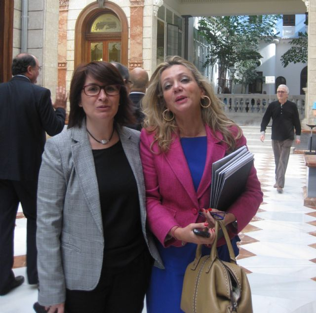 La alcaldesa y el concejal de Comercio conocen de mano del Secretario de Estado de Comercio las iniciativas para lograr un comercio minorista más competitivo, Foto 3