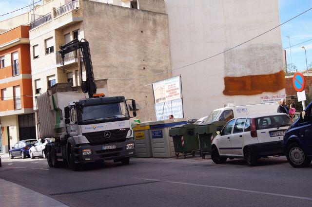 El vidrio continúa siendo el residuo que más reciclan los vecinos en los puntos limpios de Totana, seguido del papel-cartón, Foto 1
