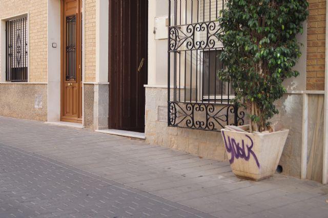 La Policía Local recuerda las sanciones por no recoger excrementos de perros o realizar pintadas callejeras en la vía pública, Foto 3
