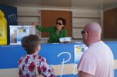 Los ciudadanos que lleven sus bolsas de reciclaje al punto de información entrarán en un sorteo de un viaje de fin de semana