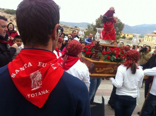 La comunidad educativa del CEIP San José organiza su primera romería de Santa Eulalia por las calles del barrio, Foto 1