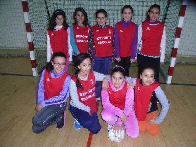 Comienza la fase local de baloncesto benjamín y futbol sala alevín femenino de Deporte Escolar organizada por la concejalía de Deportes, Foto 5