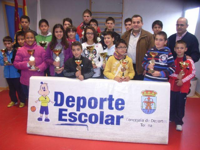 Medio centenar de escolares de los diferentes centros de enseñanza de la localidad protagonizaron la fase local de ajedrez de Deporte Escolar, Foto 3