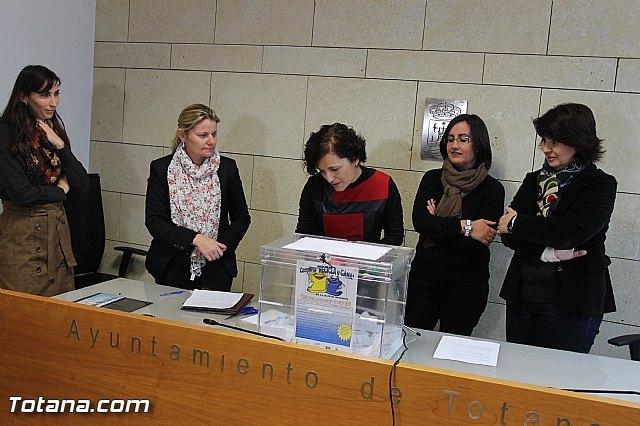 Más de seiscientas personas han participado en la campaña de reciclaje que ha finalizado con el sorteo del premio del concurso Recicla y gana, Foto 5