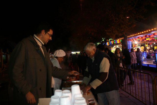 La Asociación de Feriantes celebra una gran chocolatada con motivo del 25 aniversario del recinto ferial de Totana, Foto 2
