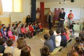 El alcalde es invitado por el C.P. Sierra Espuña a participar en un acto conmemorativo de La Constituci�n