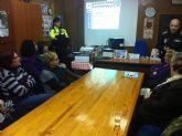 La Policía Local imparte una charla sobre el funcionamiento y organización del cuerpo