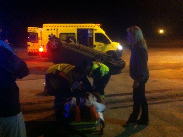 Protección Civil, Guardia Civil de Tráfico y Policía Local asisten a un herido, Foto 1