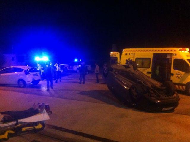Protección Civil, Guardia Civil de Tráfico y Policía Local asisten a un herido, Foto 2