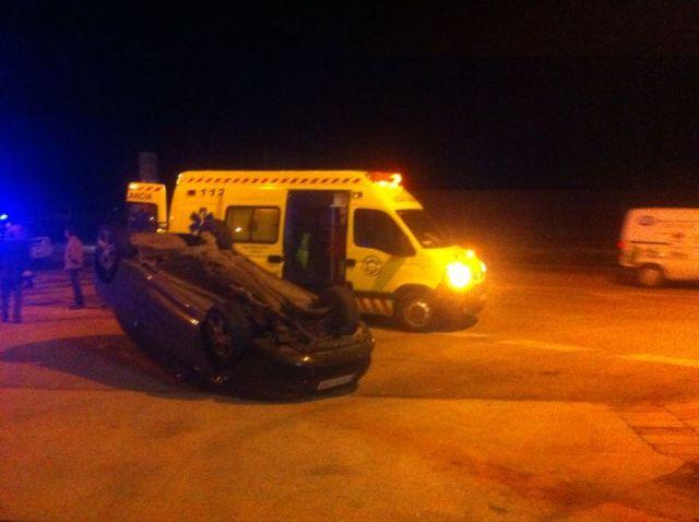 Protección Civil, Guardia Civil de Tráfico y Policía Local asisten a un herido, Foto 3