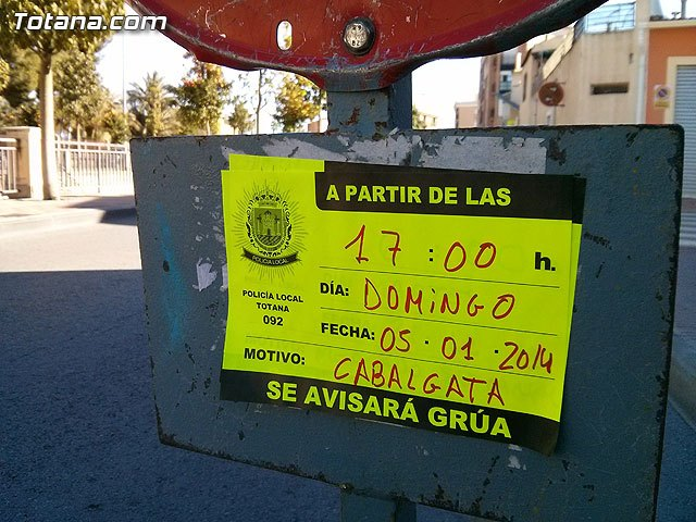 Los ciudadanos deben retirar sus vehículos del recorrido urbano por donde pasará la Cabalgata de Reyes el próximo domingo, Foto 1