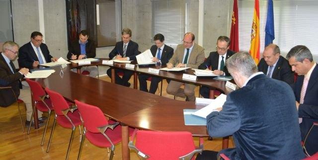 Casi la mitad de los ayuntamientos de la Región colaboran con la Comunidad en la lucha contra la economía irregular, Foto 1