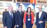 Visita de la secretaria de Estado de Turismo al stand de la Regi�n en Fitur