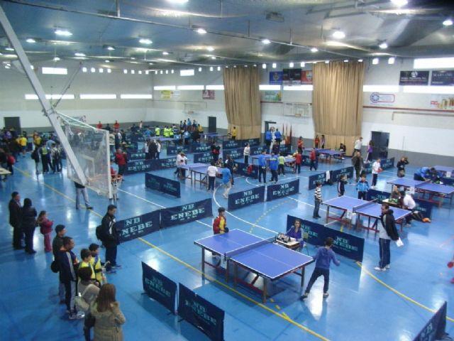 El colegio Santa Eulalia y el IES Juan de la Cierva, campeones regionales de tenis de mesa de Deporte Escolar