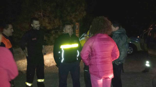 Civil protection and environmental agents rescue 4 members of a family were disoriented by fog at night Espuña, Foto 3