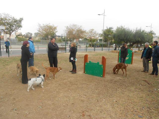 Los perros estrenan zona especialmente dise ada para ellos for Jardin chino alcantarilla