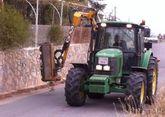 La Dirección General de Carreteras procede a la limpieza de cunetas en varias vías rurales secundarias en las pedanías de Totana