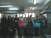 Alumnos del Aula Ocupacional visitan el Programa de Cualificación Profesional de Cocina que se imparte en el IES Juan Bosco de Lorca