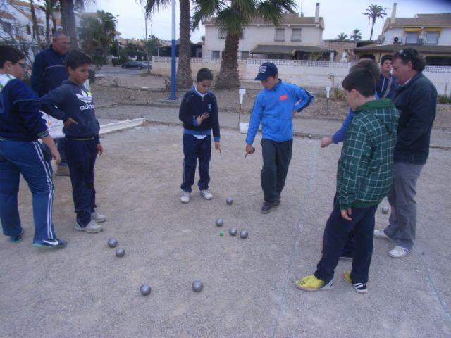 El Colegio Reina Sofia consigue el primer puesto en la final regional de petanca de Deporte Escolar celebrada en Mazarrón, Foto 5