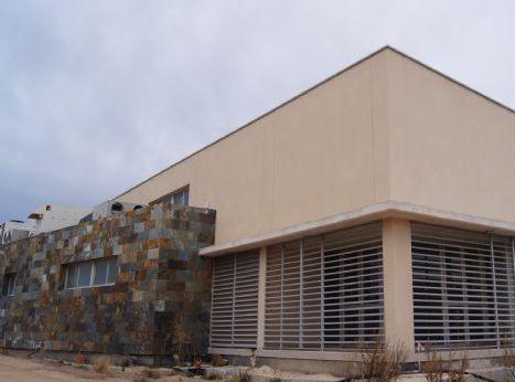 Se aplaza la inauguración del nuevo Salón de Actos de El Paretón-Cantareros por retraso en la recepción de las obras, Foto 1