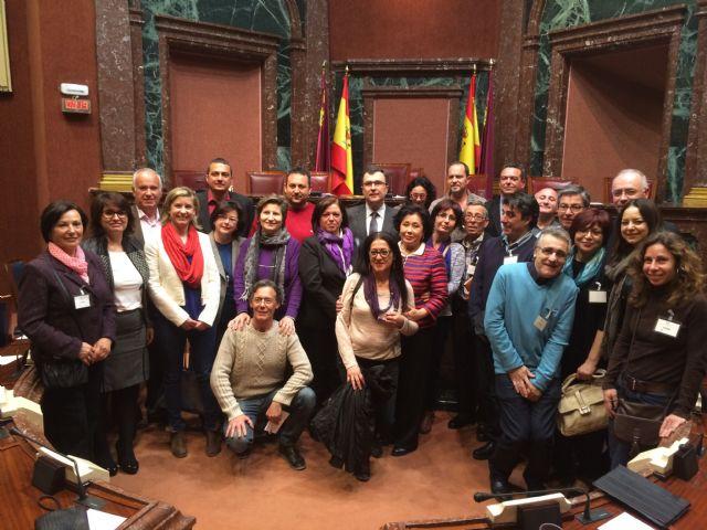 La alcaldesa y Presidenta de la AECC considera muy positivo para el sector la aprobación de la nueva Ley de Artesanía de la Región de Murcia, Foto 1