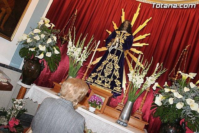 Numerosos vecinos muestran un año más su devoción al Cristo de Medinacelli, Foto 1
