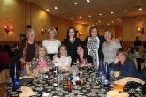 Casi 100 mujeres asisten a la cena convivencia del Día de la Mujer - Foto 8