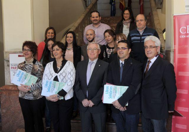 La Universidad de Murcia vende libros de su editorial en beneficio de personas con enfermedades raras
