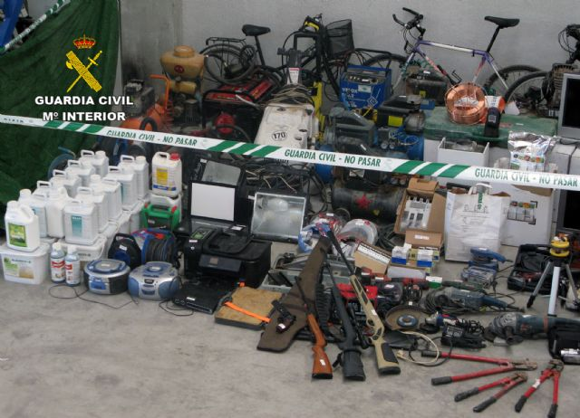 La Guardia Civil recupera 200 efectos sustraídos en viviendas y naves industriales de la Región, Foto 1