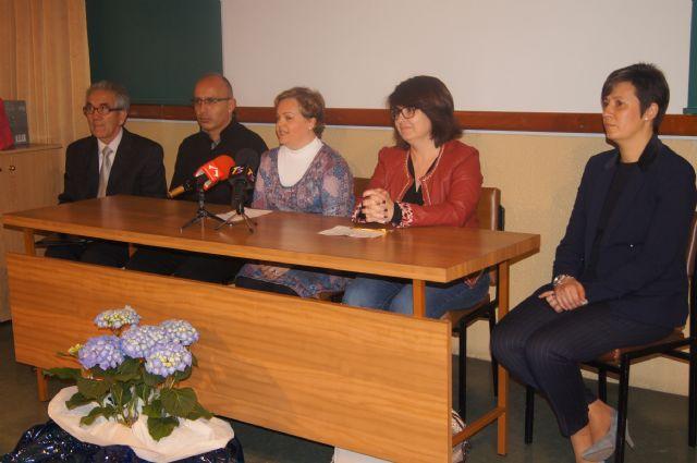 Cuarenta personas participan en el curso de cuidados básicos a personas mayores desarrollado por Salus Infirmorum, Foto 1