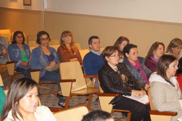 Cuarenta personas participan en el curso de cuidados básicos a personas mayores desarrollado por Salus Infirmorum, Foto 2