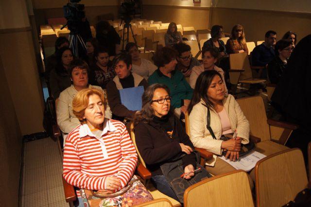 Cuarenta personas participan en el curso de cuidados básicos a personas mayores desarrollado por Salus Infirmorum, Foto 3