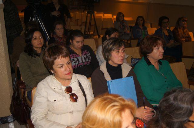 Cuarenta personas participan en el curso de cuidados básicos a personas mayores desarrollado por Salus Infirmorum, Foto 4