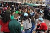 Los alumnos de 4� de la ESO del IES Prado Mayor trasladan el proyecto educativo Mi empresa joven europea al mercadillo semanal