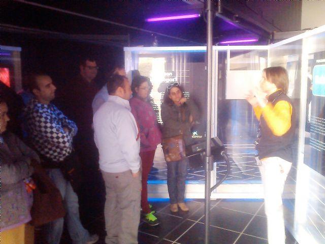Los usuarios del centro de dia Princesa Leticia realizan actividades para aumentar el conocimiento sobre el riesgo de las drogas, Foto 3