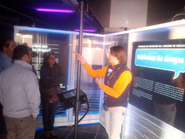 Los usuarios del centro de dia Princesa Leticia realizan actividades para aumentar el conocimiento sobre el riesgo de las drogas, Foto 4