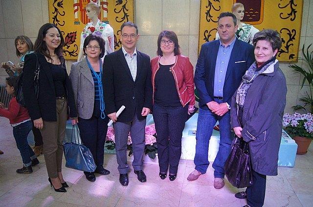 """La empresa totanera """"Alfar Tudela"""" expone tinajas típicas de cerámica en la sede de la Delegación del Gobierno, Foto 1"""