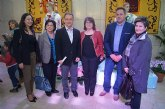 """La empresa totanera """"Alfar Tudela"""" expone tinajas típicas de cerámica en la sede de la Delegación del Gobierno"""
