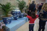 """La empresa totanera """"Alfar Tudela"""" expone tinajas típicas de cerámica en la sede de la Delegación del Gobierno - 1"""