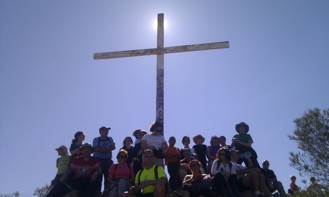A total of 24 walkers participating in a tour of the village of Murcia Beniaján, Foto 2