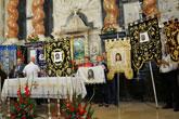 La Hemandad de La Ver�nica de Totana particip� en la eucarist�a de la Santa Faz de Alicante