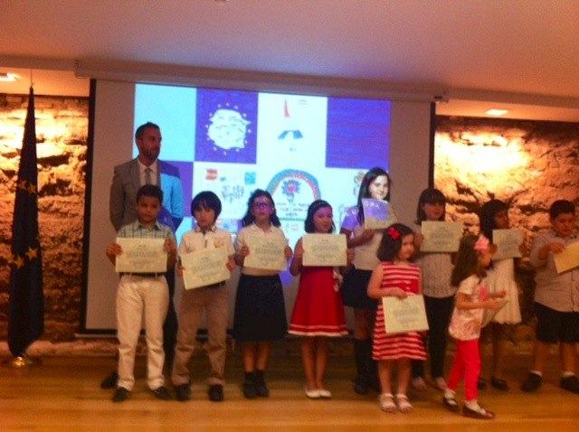 La Comunidad entrega los premios de la XIII edición del concurso de dibujo infantil ´Mi pueblo Europa´, Foto 1
