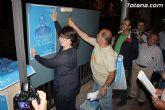 Se celebra la tradicional pegada de carteles con la que arranca de forma oficial la campaña electoral para las europeas - 7