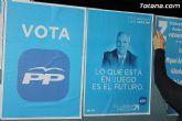 Se celebra la tradicional pegada de carteles con la que arranca de forma oficial la campaña electoral para las europeas - 13