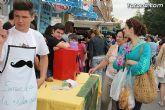 Los alumnos del Colegio Reina Sofía han promocionado y vendido los productos de sus jóvenes empresas en el mercadillo semanal de Totana - 8