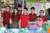 Los alumnos del Colegio Reina Sofía han promocionado y vendido los productos de sus jóvenes empresas en el mercadillo semanal de Totana - 13