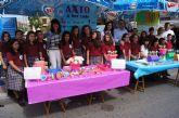 Los alumnos del Colegio Reina Sofía han promocionado y vendido los productos de sus jóvenes empresas en el mercadillo semanal de Totana