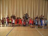 La concejal�a de Deportes llev� a cabo la entrega de trofeos de la fase local de multideporte, baloncesto, balonmano y futbol sala, de Deporte Escolar - 11